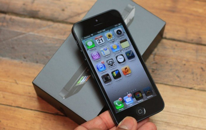 Unlocked iPhone 5 to Cost Around $600 More Than Contracted Version